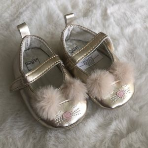Carter's gold kitty shoes 0-3 months